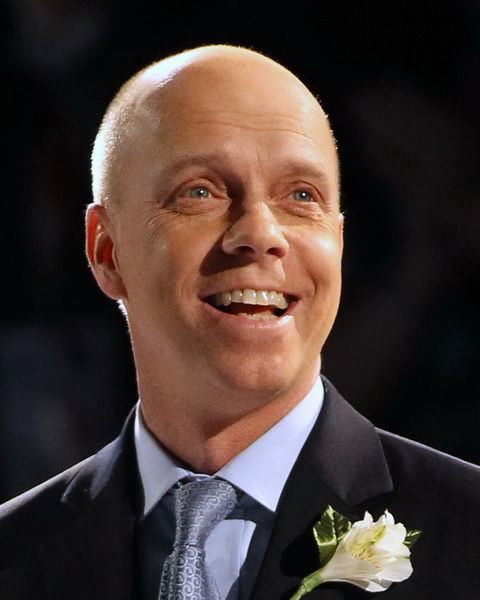 how tall is scott hamilton